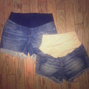 Bundle of 2 woman's Maternity Jean shorts